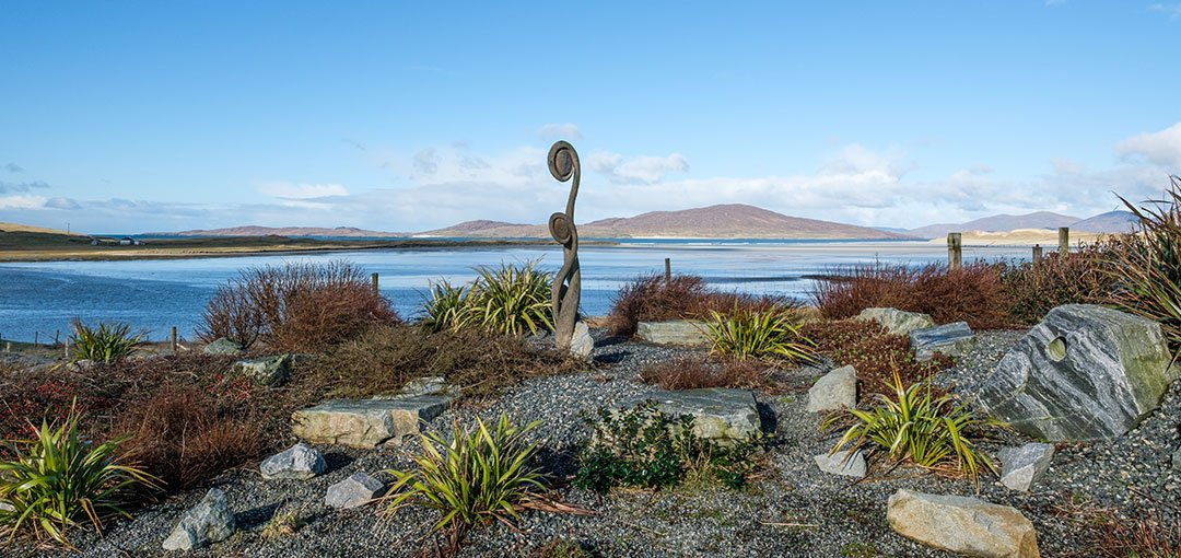 luxury-self-catering-in-Luskentyre-view-from-garden